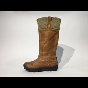 TIMBERLAND MOUNT HOLLY SZ 6 WATERPROOF BOOTS